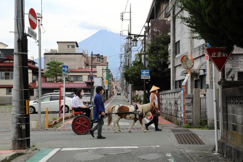 西裏通り:富士吉田